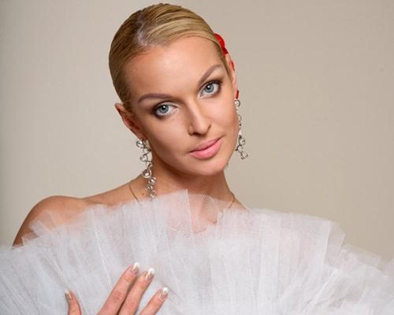 Анастасия Волочкова ошеломила гостей праздника безумным танцем