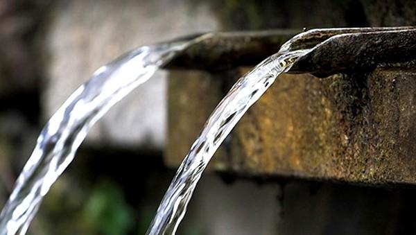 Жителям Троицка зарпетили пить воду изколодцев иродников