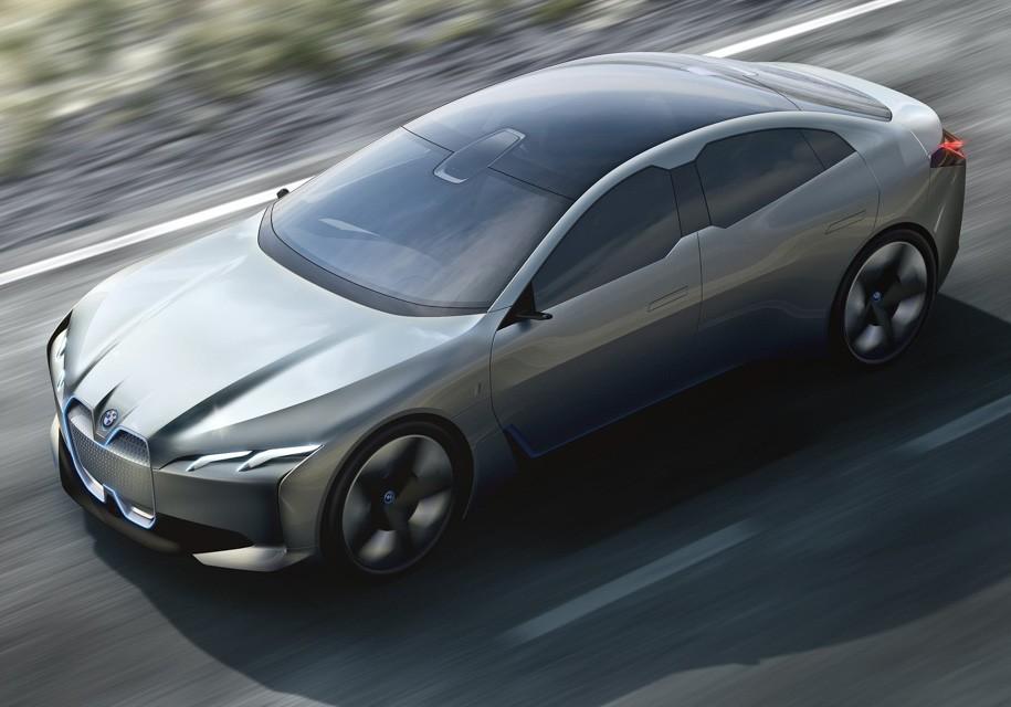 БМВ  показала концептуальный автомобиль  электрокара сзапасом хода в600 километров воФранкфурте