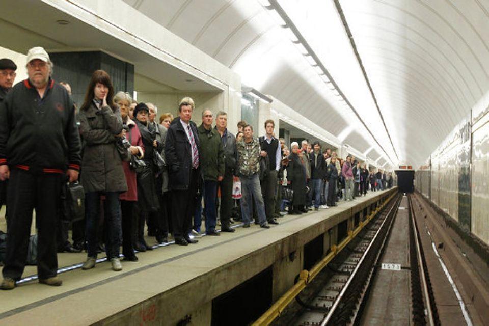 Наюжном участке фиолетовой веточки московского метро произошел сбой