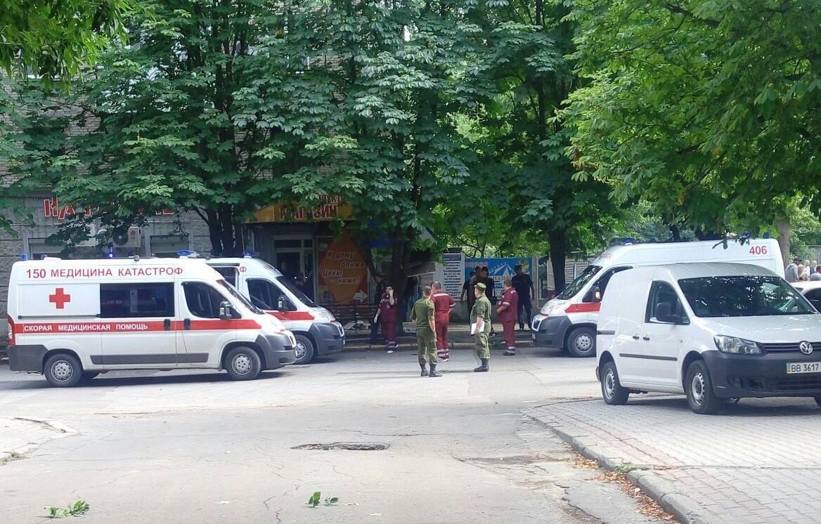 Около  здания военного комиссариата ЛНР произошел взрыв