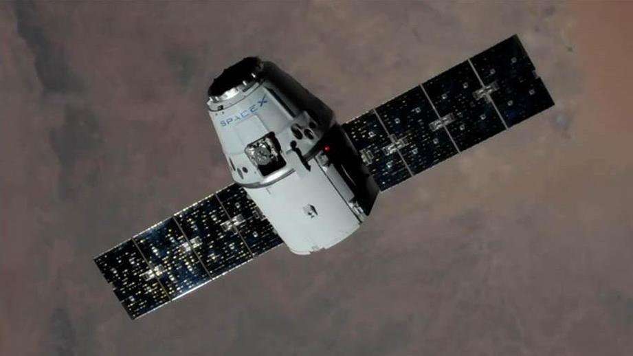 NASA сообщило оботстыковке грузового автомобиля Dragon отМКС 17сентября