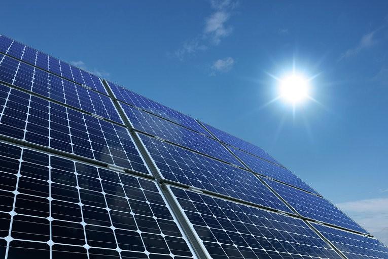 Проект крупнейшей вмире солнечной станции повыробатыванию электричества стартовал вОАЭ