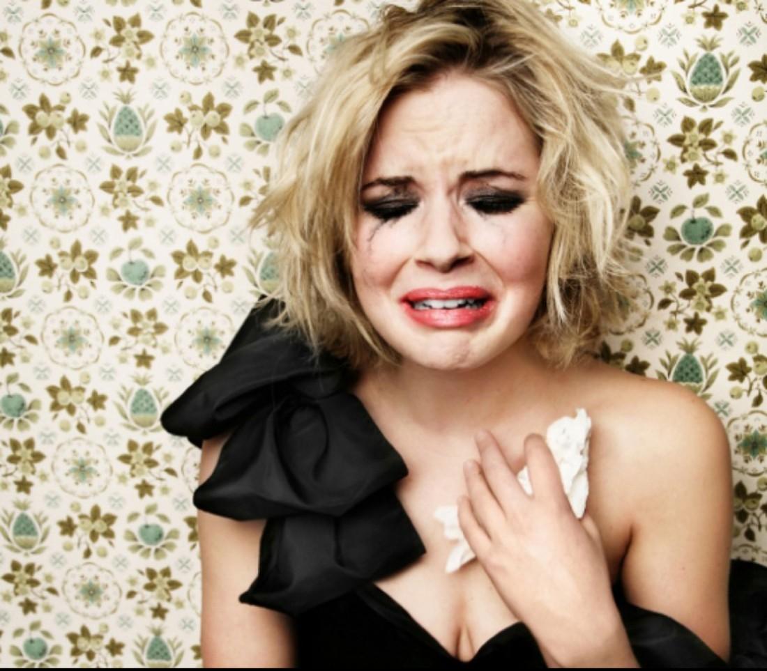 Ученые: истерика иплач полезны для женского организма