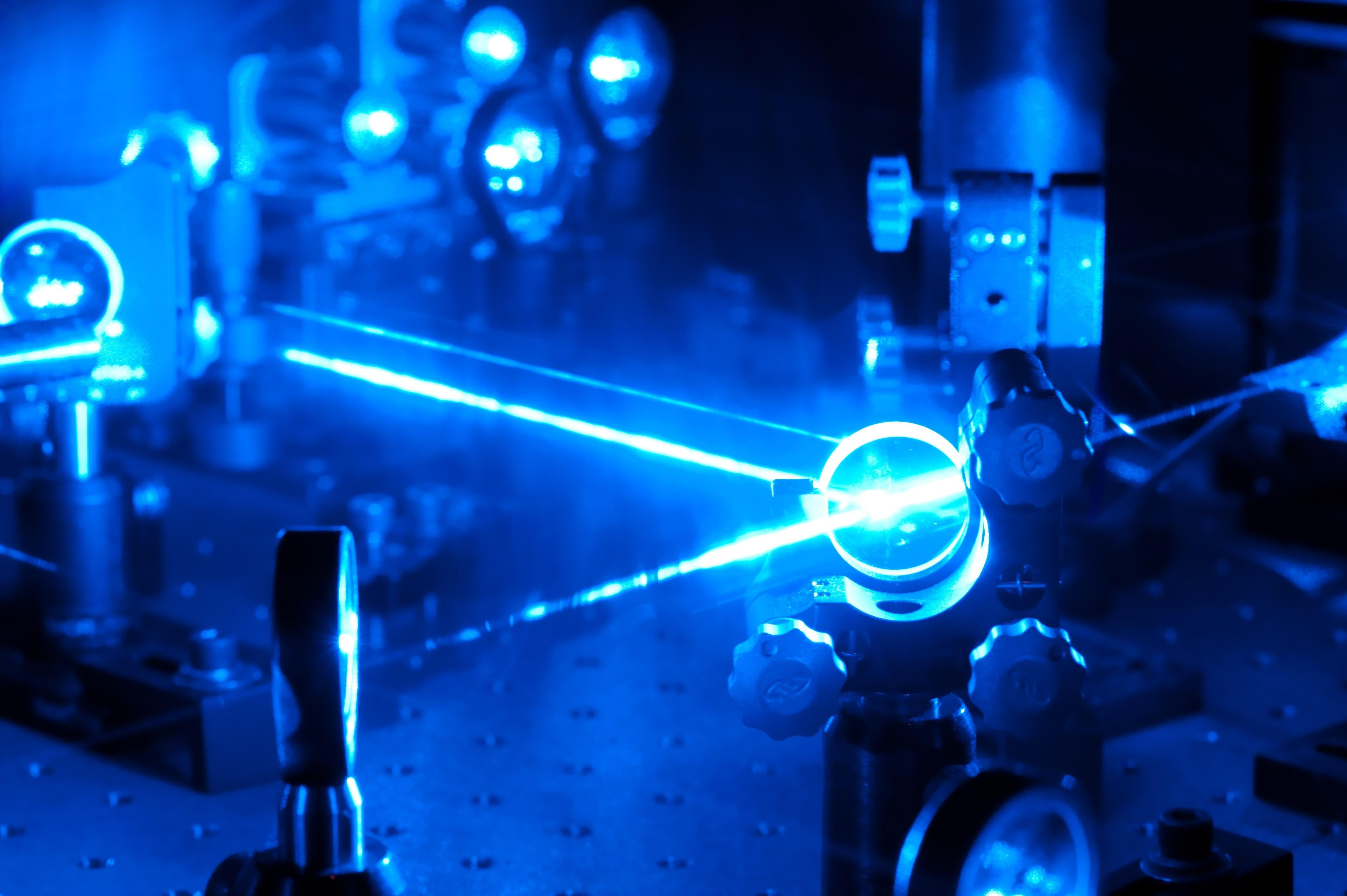 Ученые изРФ зарядили телефон лазерным лучом срасстояния 1,5км