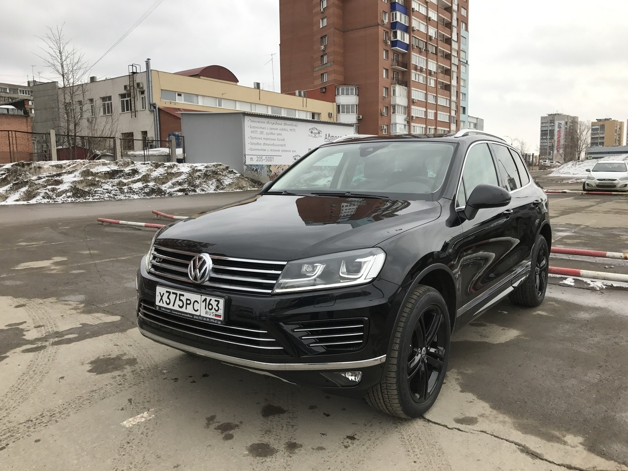 VW тестирует на трассах столицы новый Фольксваген Touareg