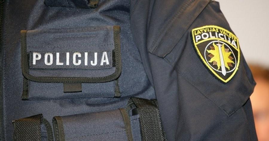 Депутатам  Латвии порекомендовали  подозревать приветливых иностранцев вшпионаже