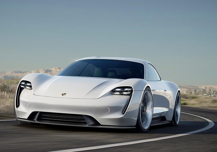 Электромобиль Porsche Mission E будет стоить на уровне Porsche Panamera