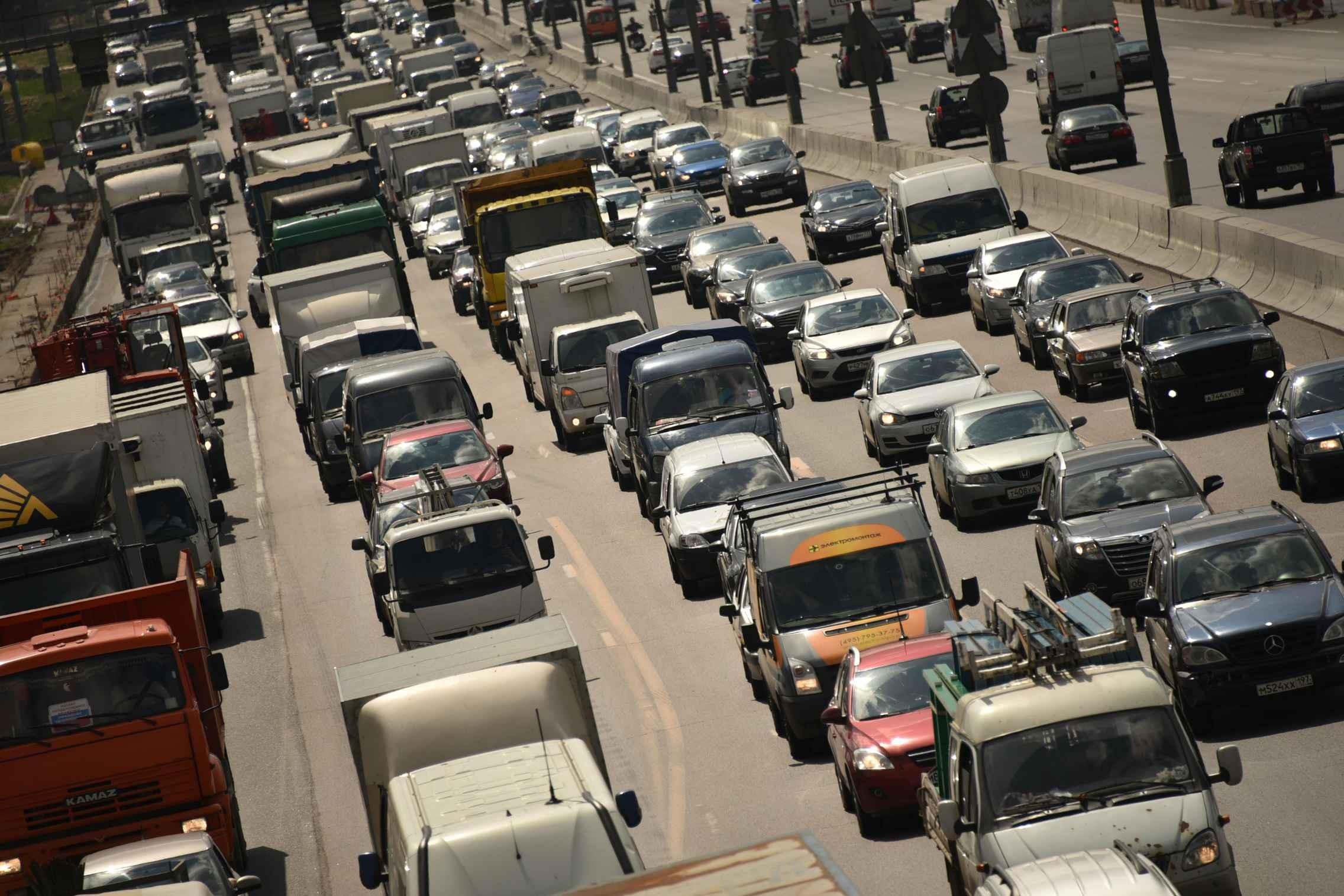 5 машин столкнулись вцентральной части Москвы