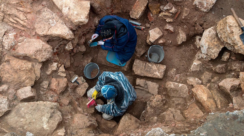 В столице расшифровали надпись надревней персидской чаше— находке программы «Моя улица»