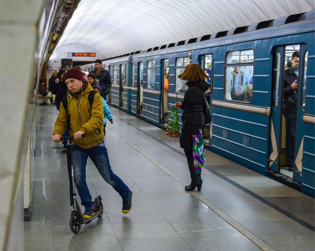Нафиолетовой ветке метро в столице восстановили движение