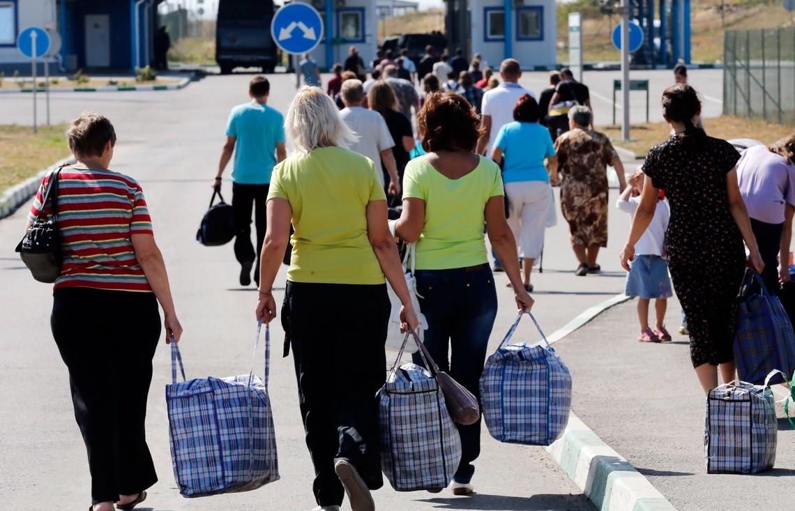 Без Российской Федерации - нежизнь: 600 тыс. сограждан вернулись домой