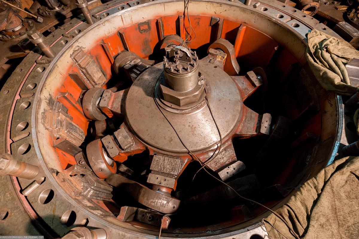 НаКрасноярскую ГЭС привезли новые колеса для гидроагрегатов