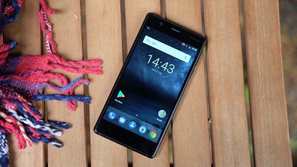 Нокиа 3 стал худшим телефоном года помнению граждан России