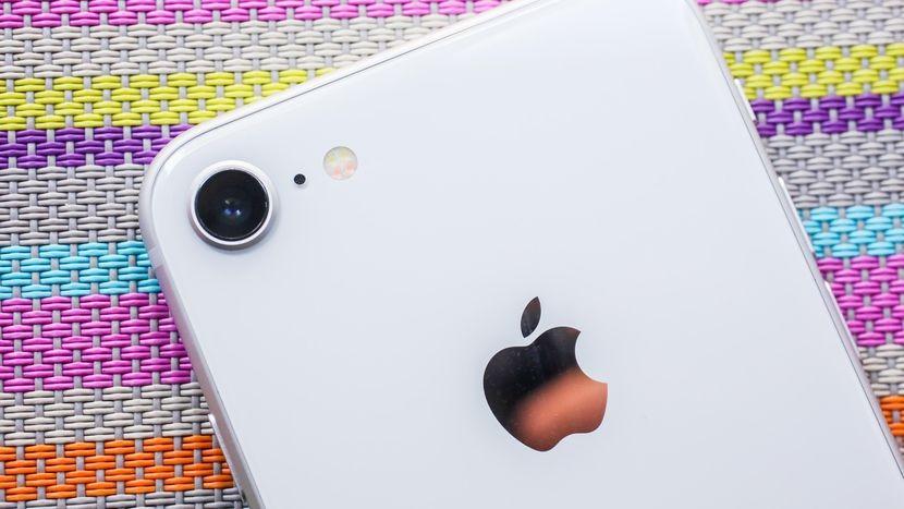 Новый iPhone 8 оказался прочнее iPhone 7
