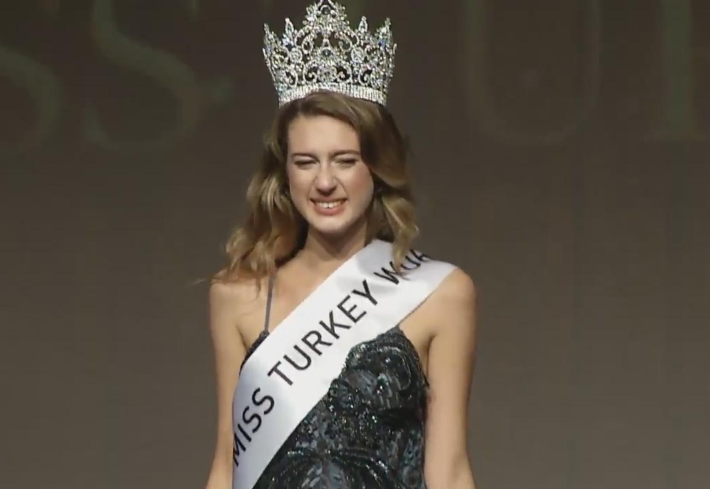 «Мисс Турция— 2017» лишена титула из-за записи вТвиттере