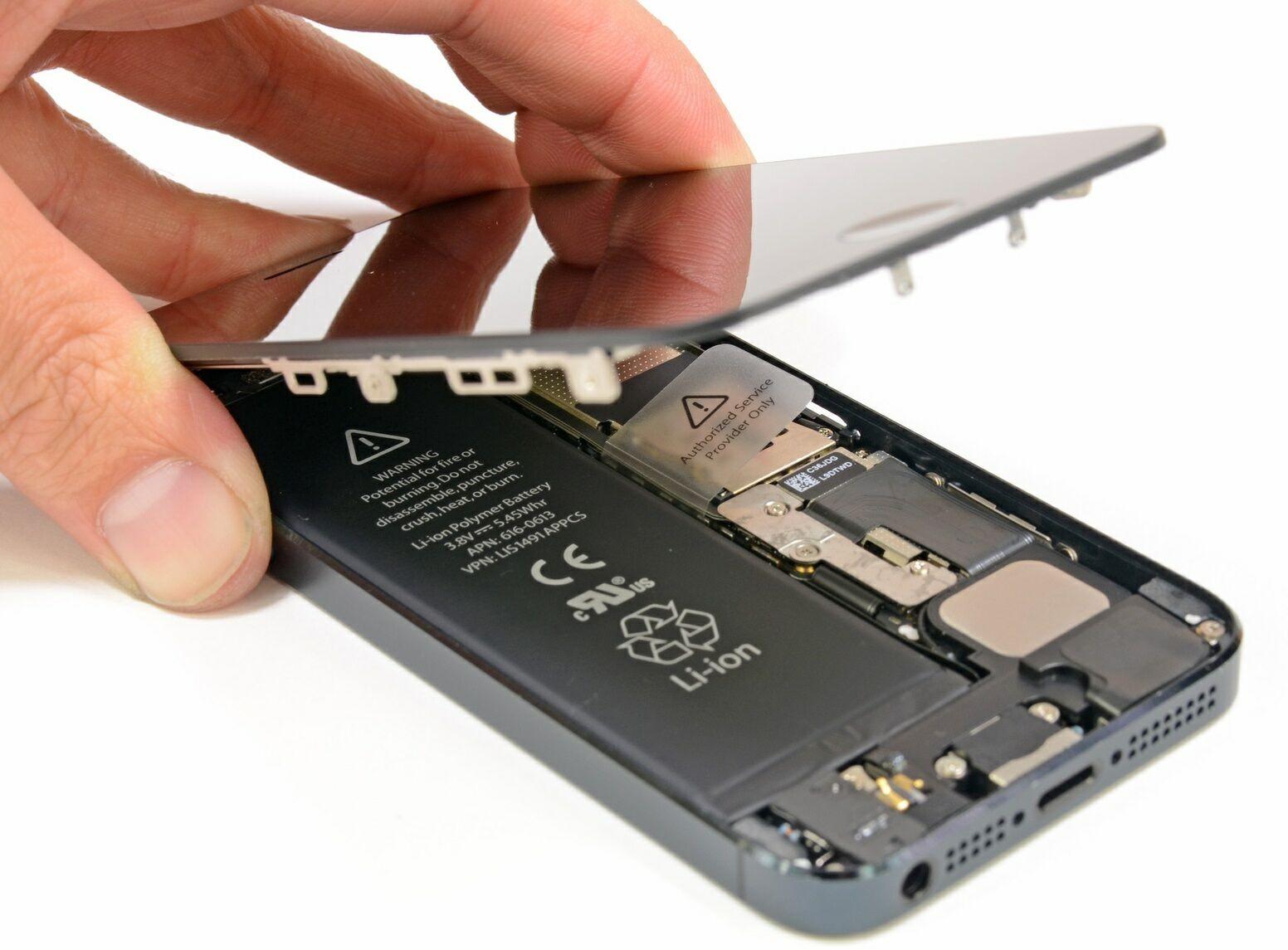 IPhone 8 разобрали и изучили