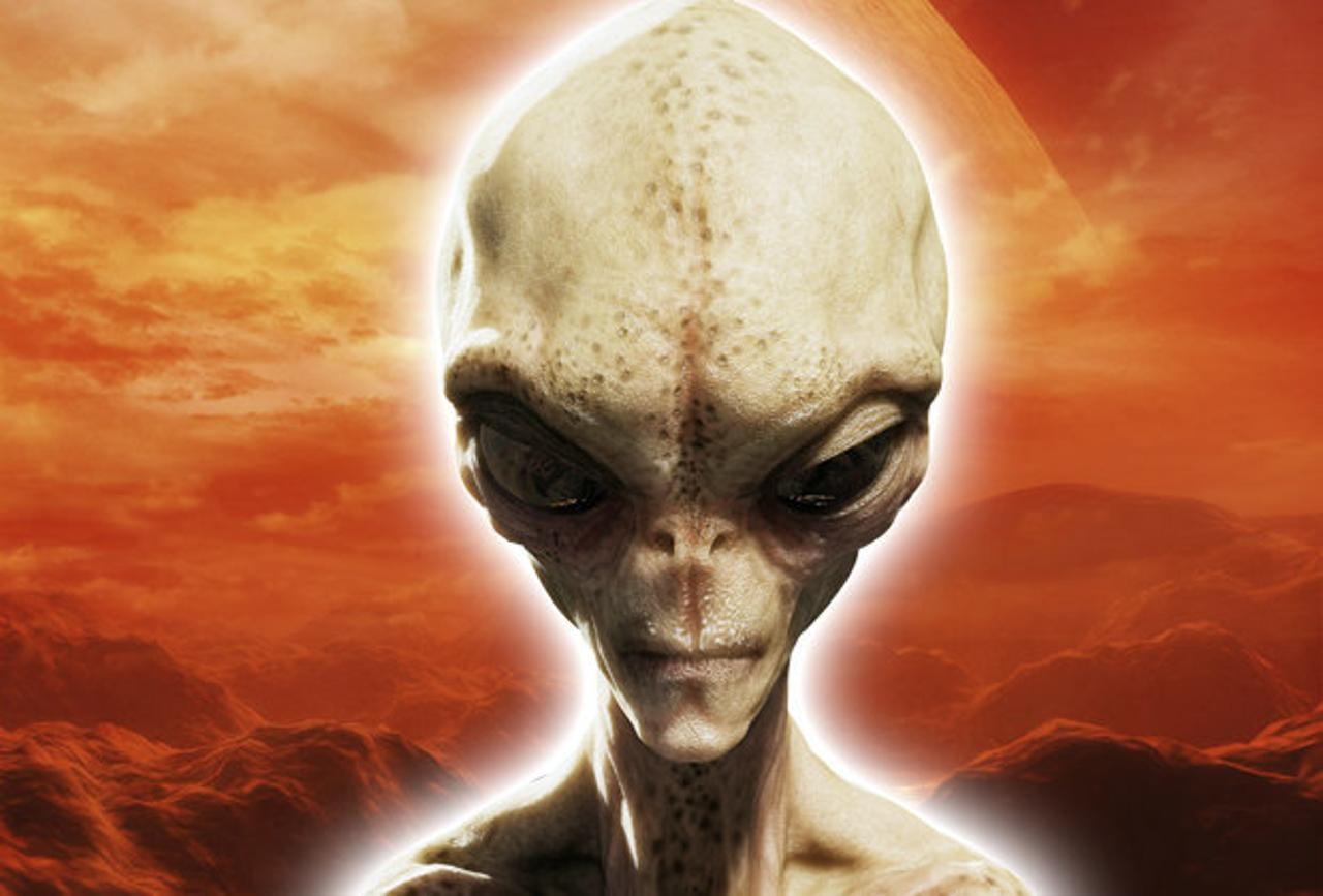 Уфологи обнаружили наМарсе останки вооруженного инопланетянина