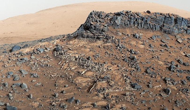 Уфологи обнаружили руины старинного здания наМарсе наснимках NASA
