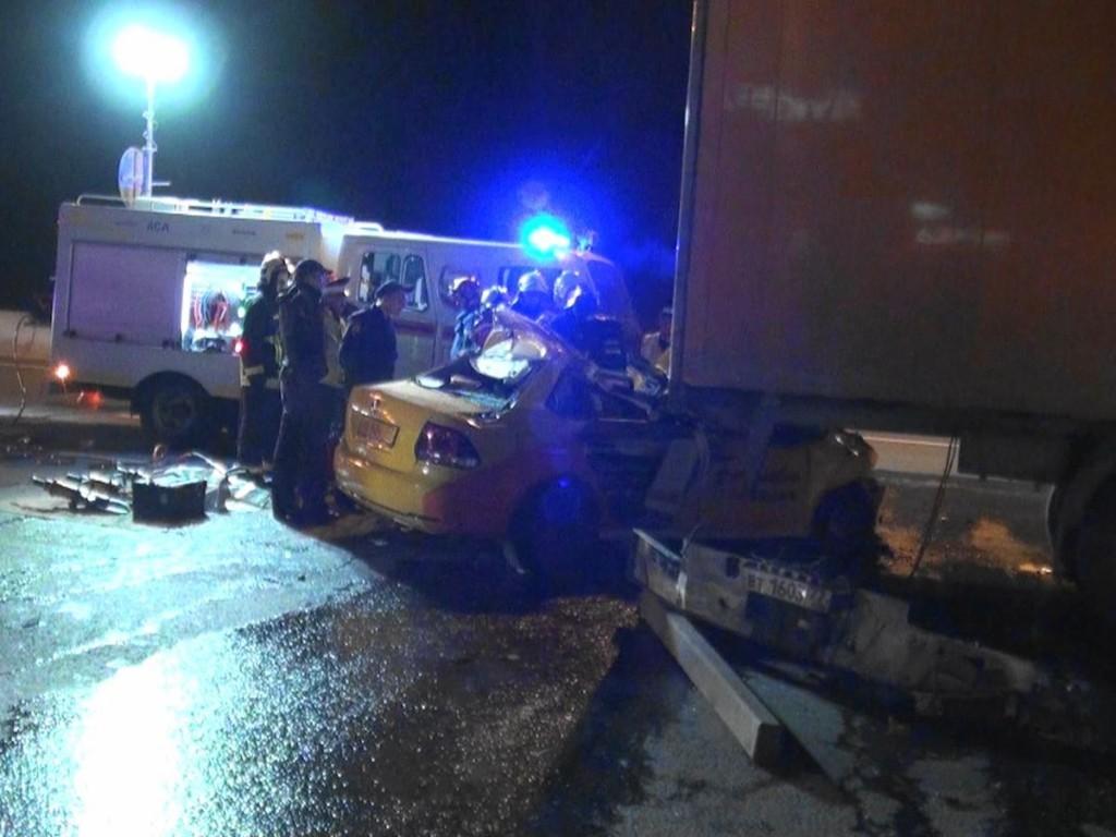 НаМКАД столкнулись семь авто, один человек умер
