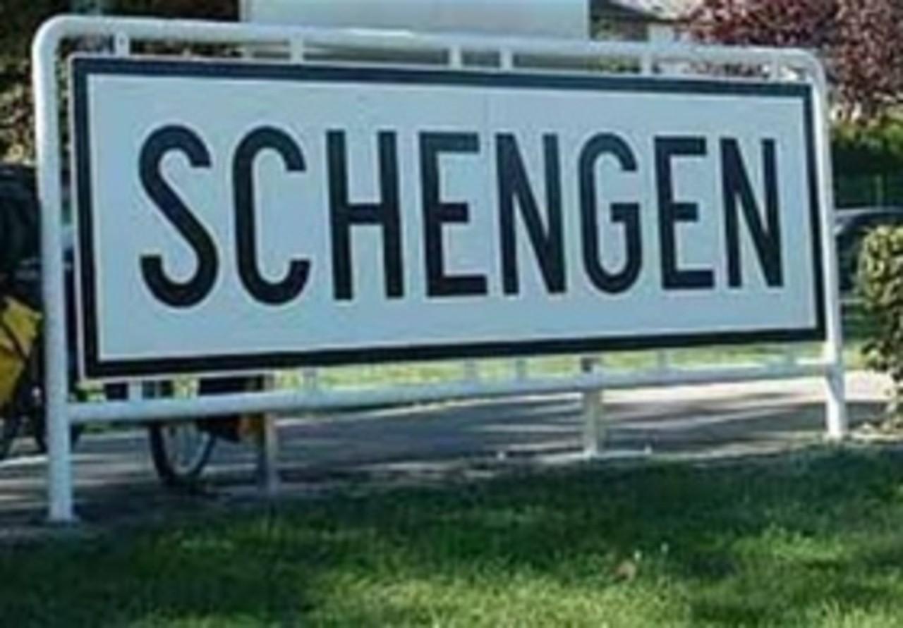 ВШенгенскую зону должны входить Болгария иРумыния— ЕК