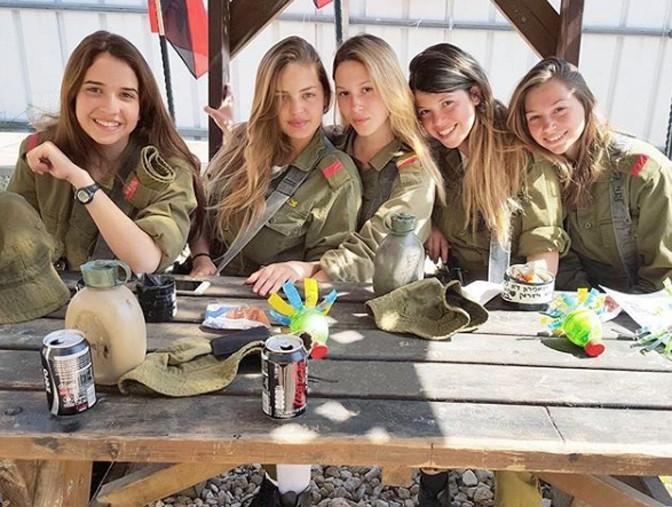 Девушки израильской армии покоряют мир собственной сексуальностью (1)— Красота спасет мир