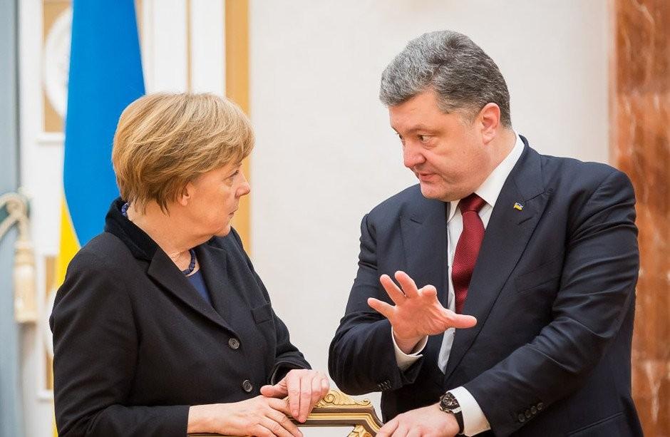 Порошенко через три дня поздравил Меркель спобедой навыборах