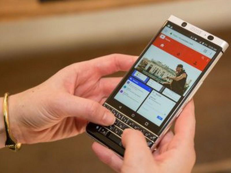 ВРФ запустят продажи клавиатурного телефона BlackBerry KEYone