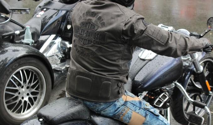 Мотоциклист насмерть разбился вЛенинградской области