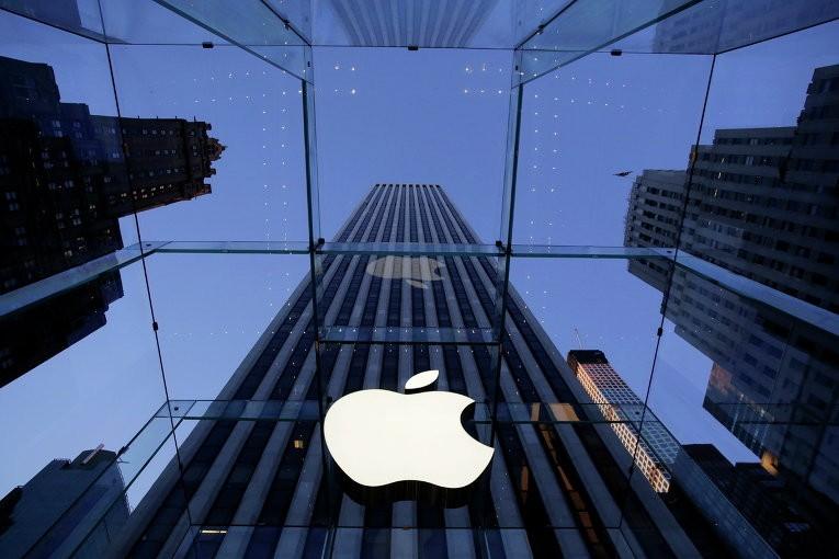 «Раскололся надвое»: Apple проверяет проблему с новым iPhone