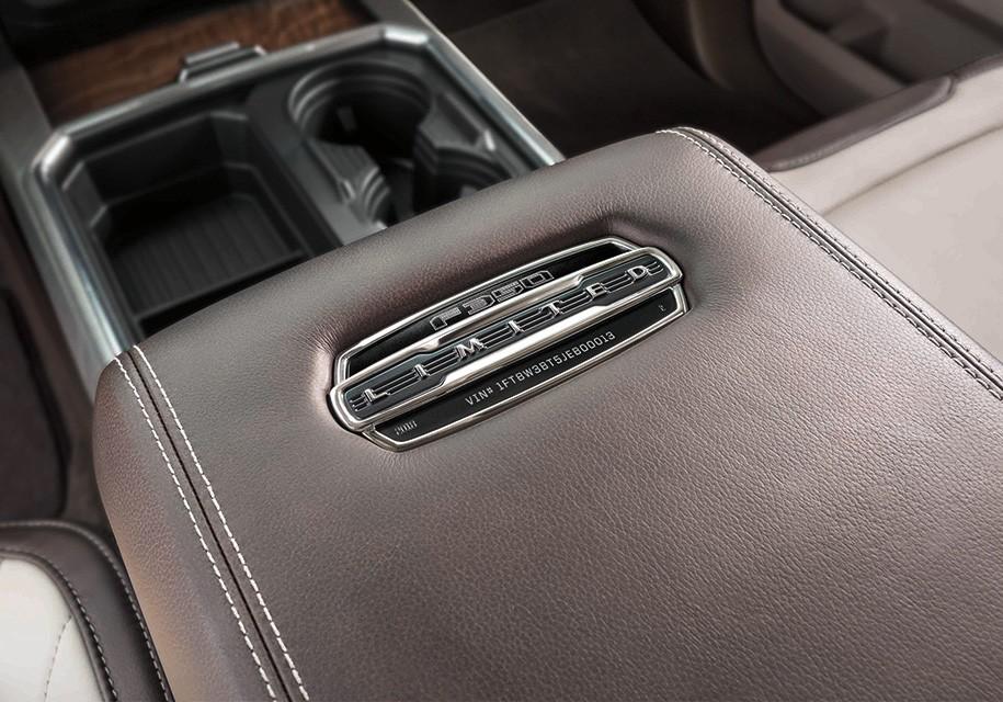 Форд презентовал роскошные пикапы F-Series поцене Mercedes S-Class