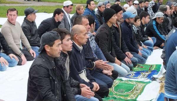 В Подмосковье более 80 тысяч верующих отметили праздник Курбан-байрам