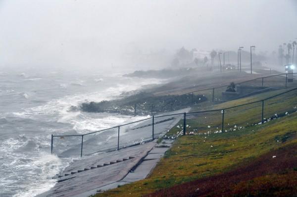 Шторм «Катя» в Мексиканском заливе превратился в ураган