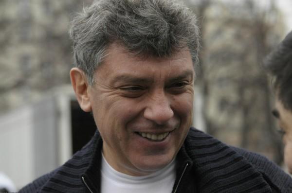 Власти Москвы могут демонтировать табличку в память о Немцове