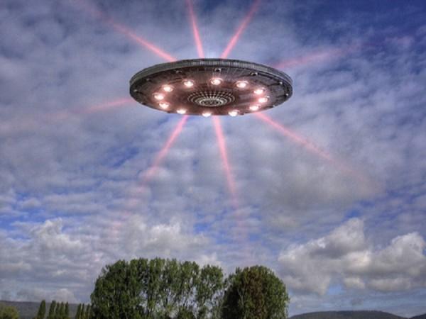 Уфологи сообщили о приближении к Земле флота НЛО