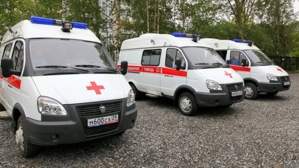 Из-за столкновения грузовика с поездом в Югре пострадали 10 человек