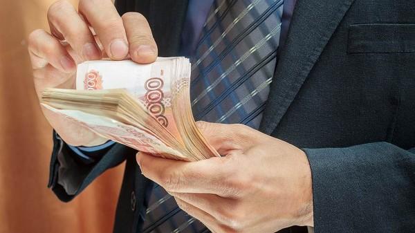 Назван предварительный размер налога на тунеядство в России