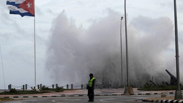 «Ирма» обрушила на столицу Кубы волны высотой в 9 метров