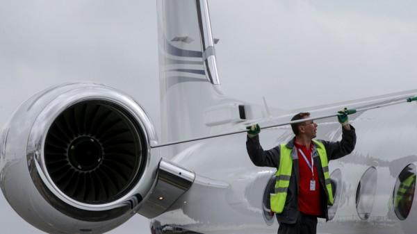 Непогода стала причиной задержки 30 рейсов в аэропортах Москвы