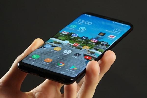Безрамочный  Samsung Galaxy S9 был представлен на видео