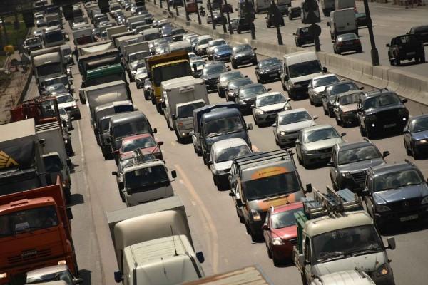 В Москве произошло ДТП с участием пяти автомобилей