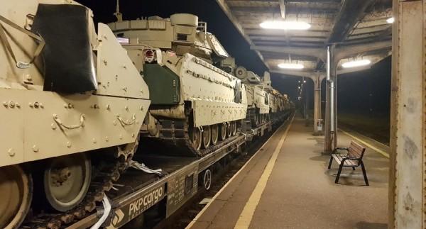 В Польше повредили 10 танков США при транспортировке