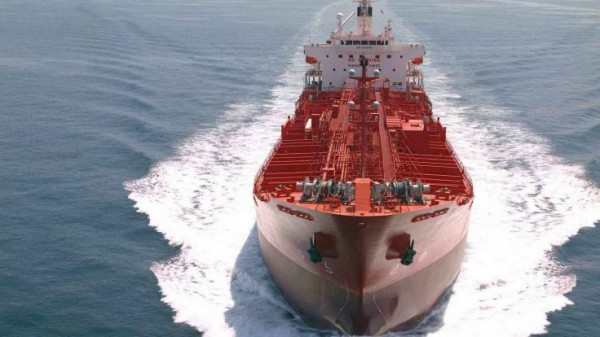 В Китае спустили на воду огромный танкер для перевозки руды