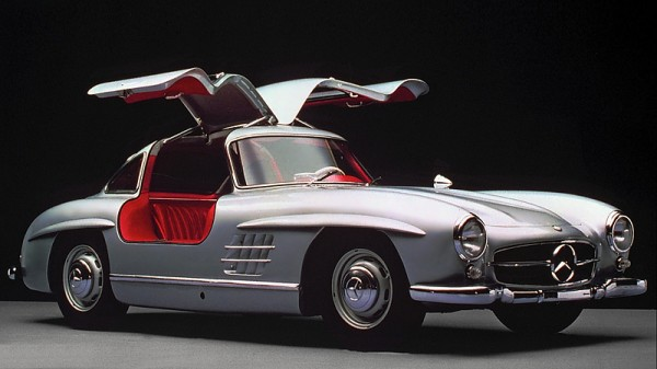В России за 90 млн рублей продают раритетный Mercedes-Benz 300 SL