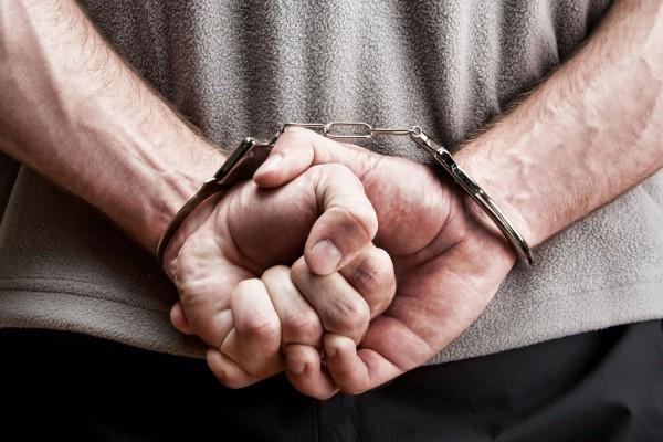В Великобритании задержали онлайн-педофила, который работал детским врачом