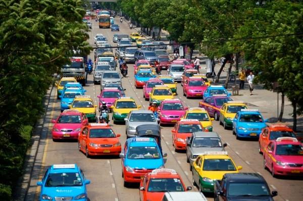 Nissan: 86% водителей выбирают неправильный цвет автомобиля