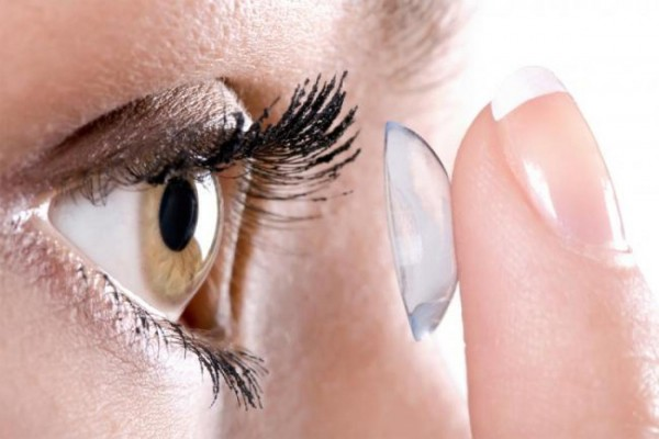 Ученые рекомендуют носить контактные линзы правильно из-за угрозы слепоты