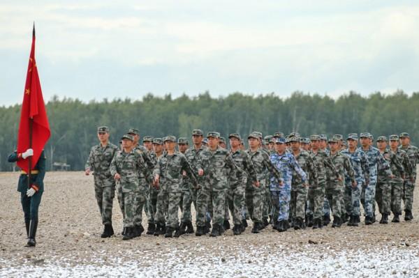 На воре шапка горит: Андрей Колесник о реакции Запада на военные учения России