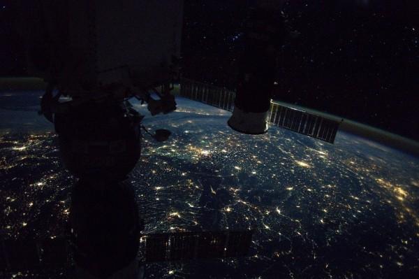 Китайский космический грузовик «Тяньчжоу-1» сошёл с орбиты и сгорел в атмосфере
