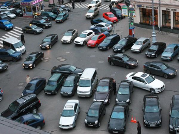 В Москве из-за места на парковке подрались две автоледи